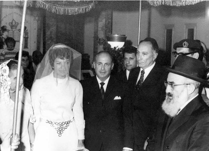 """חתונתה של מרסל ניניו, אחת מאסירי פרשת """"עסק הביש"""" (23/11/1971)."""